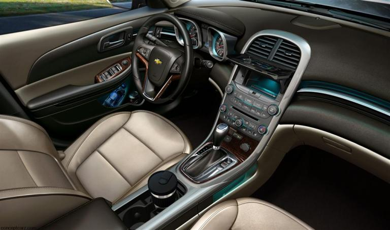 2021 Chevy Malibu Interior