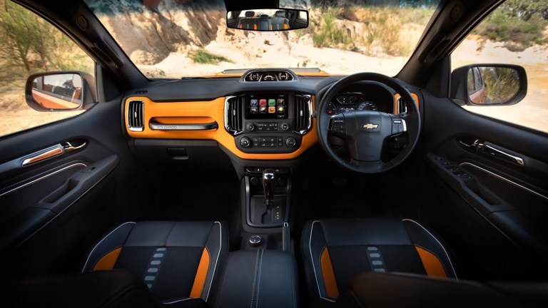 2020 Chevy Colorado Interior