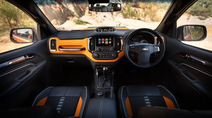 2020 Chevy Colorado Interior