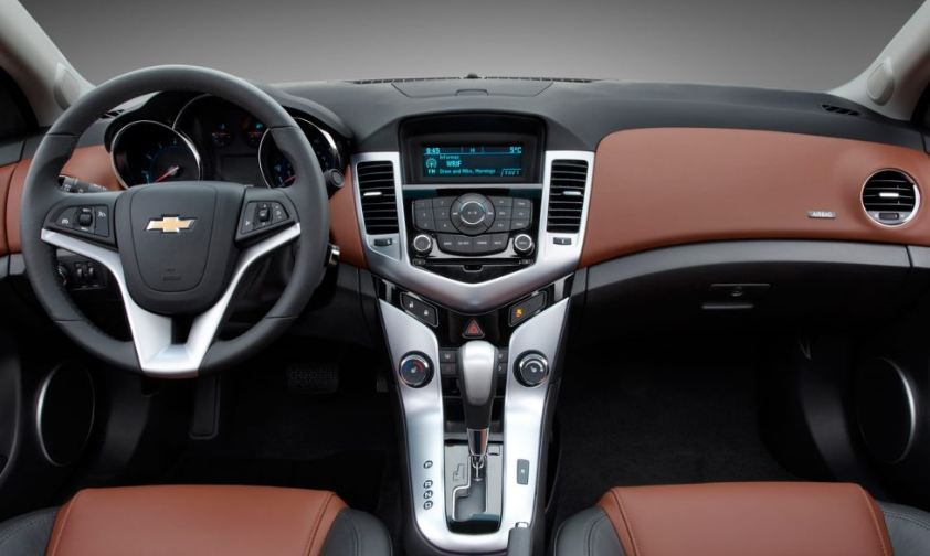 2020 Chevy Cruze Interior